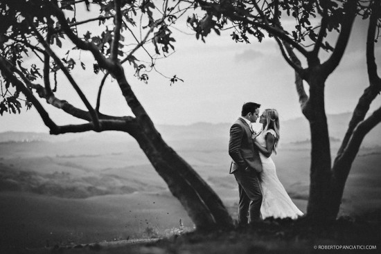 The-Lazy-Olive-Wedding-in-Tuscany-Roberto-Panciatici-Photography